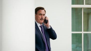MyPillow Guy Presents Trump With 'China' Election-Fraud Theory, Lawyers Send Him Packing